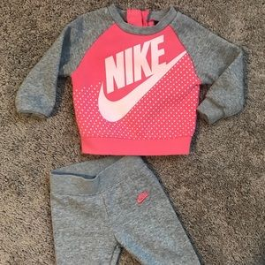 Baby girl Nike sweat outfit